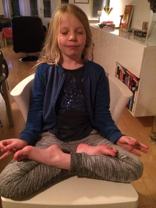 Lieve en haar plezier in yoga 1