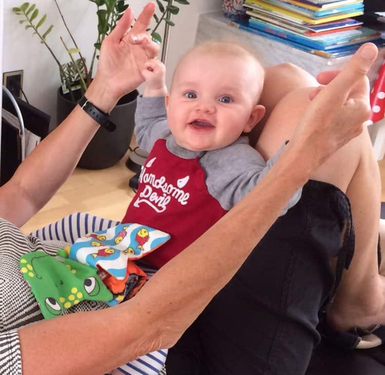 Nieuwste lid van de 'yoga familie', kleindochter Senna 2