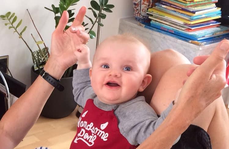 Nieuwste lid van de 'yoga familie', kleindochter Senna 3