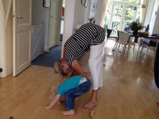 Louie wil yoga doen 3